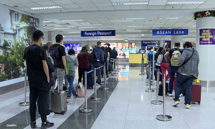 Foreigners with existing visas can enter PH starting August 1