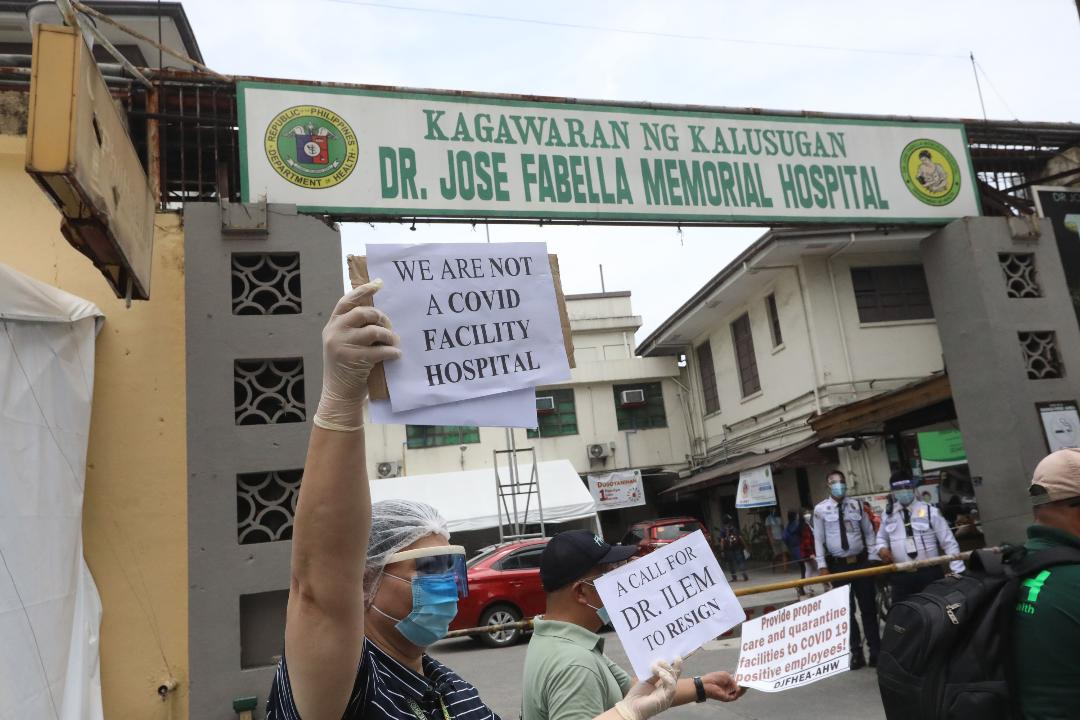 Fabella health workers stage lunch break silent protest