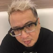 Lloyd Umali belies tabloid article that he and his family are COVID positive