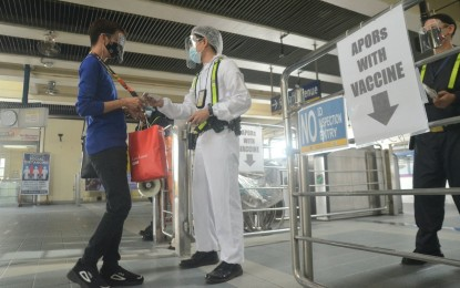 DOTr logs nearly 58K free train rides for vaccinated APORs