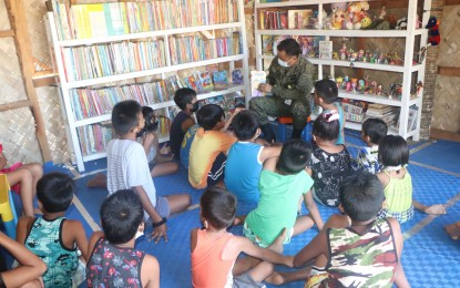 Army engineers open mini-library for Northern Samar kids