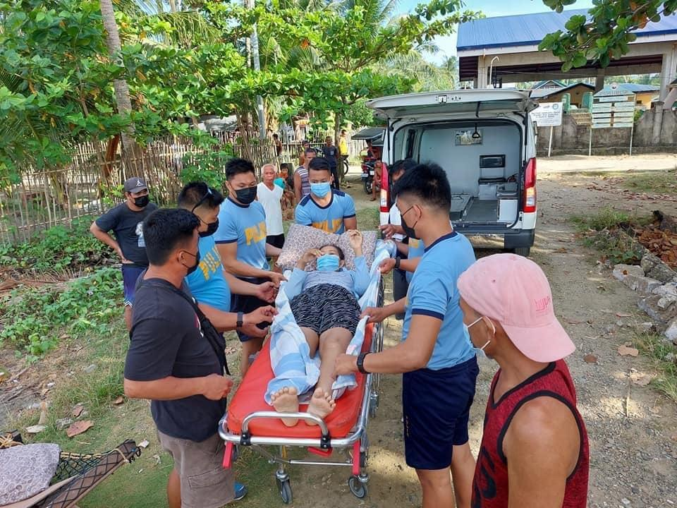 Eastern Samar police bring cancer patient from island home to city hospital