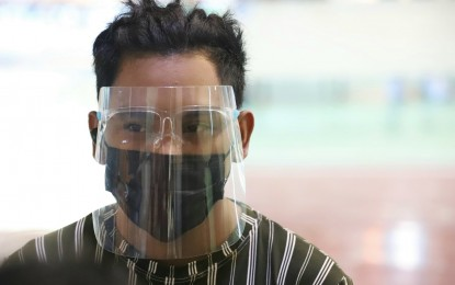 Policy on face shield use to ease Pinoys' financial burden
