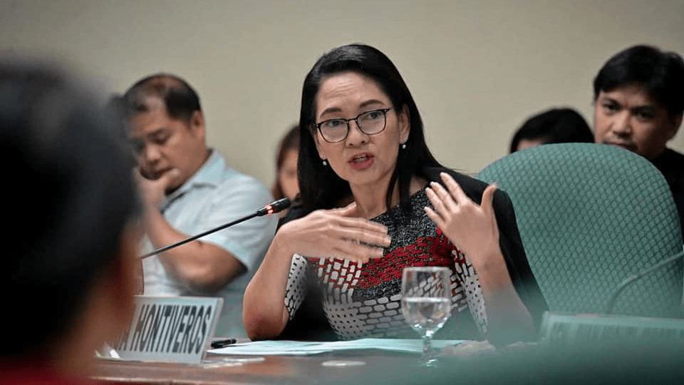 Hontiveros bares Duterte's 'special friendship' with Pharmally fugitive, who supplied P8.6-B overpriced face shields, masks