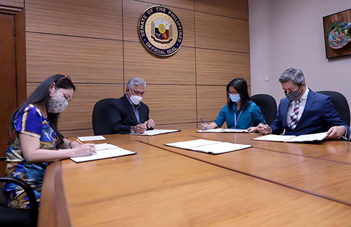 Sotto signs 2021 CAN for Senate employees