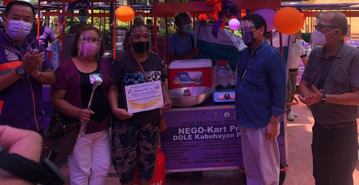 Bello turns over 50 livelihood carts, cash assistance to DOLE beneficiaries in CDO