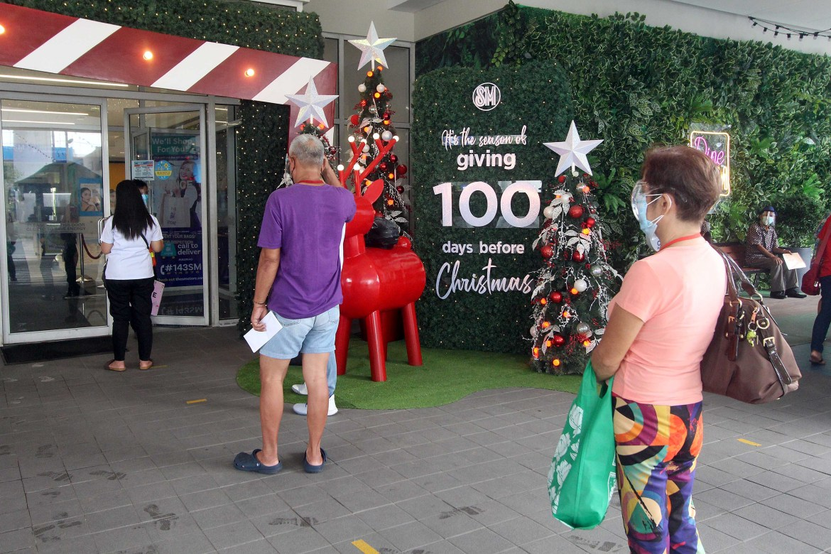 'Forget about the pandemic, it's just 100 days before X'mas'