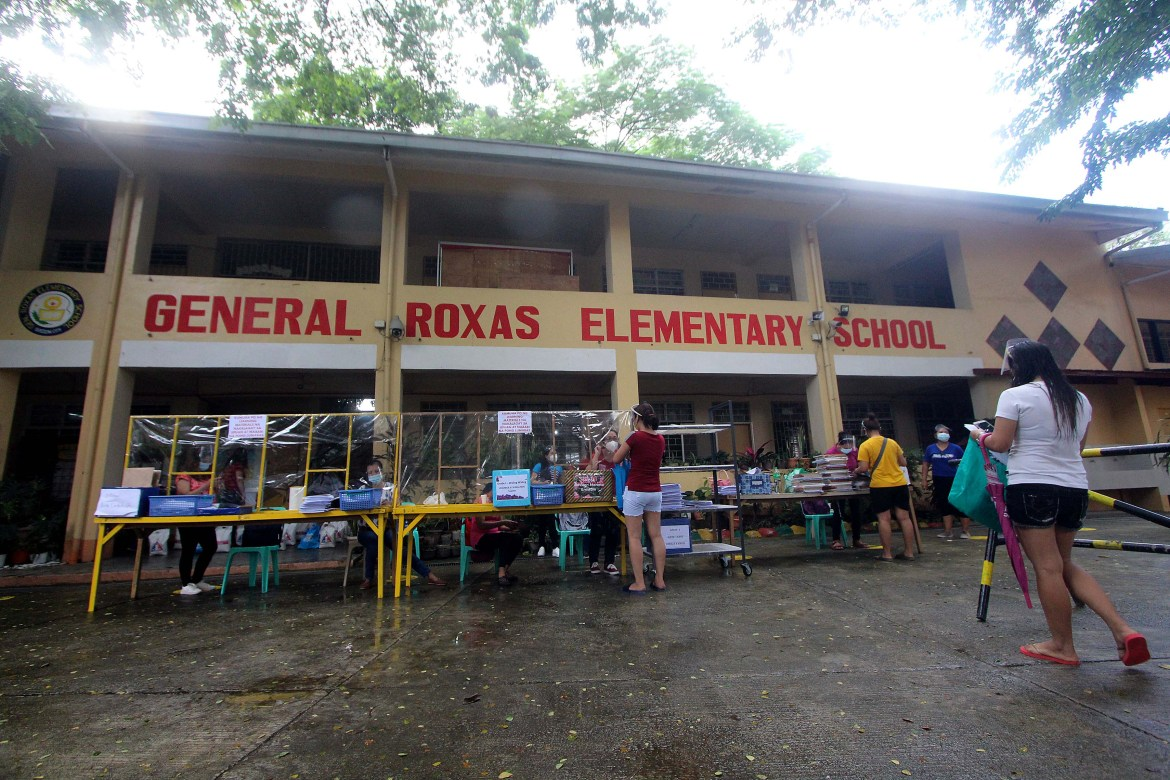 DepEd begins distribution of books, modules for SY 21-22