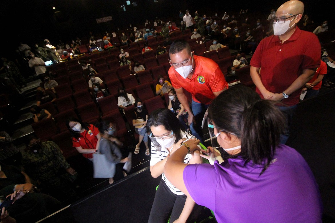 San Juan starts giving anti-Covid vaccine jabs to non-residents