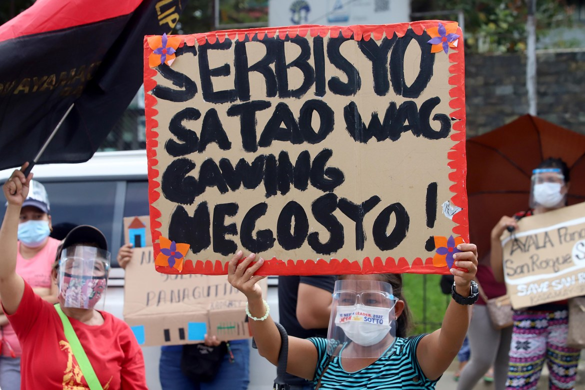 Kadamay protests impending demolition in San Roque