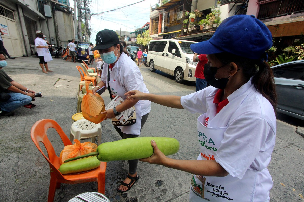 QCPSTA conducts roving pantry for MECQ-hit communities