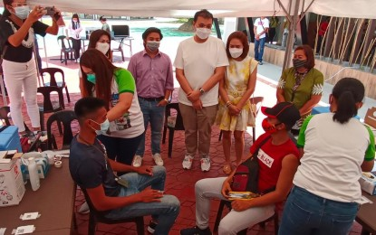 DOT rolls out vaccination of tourism workers in Samar