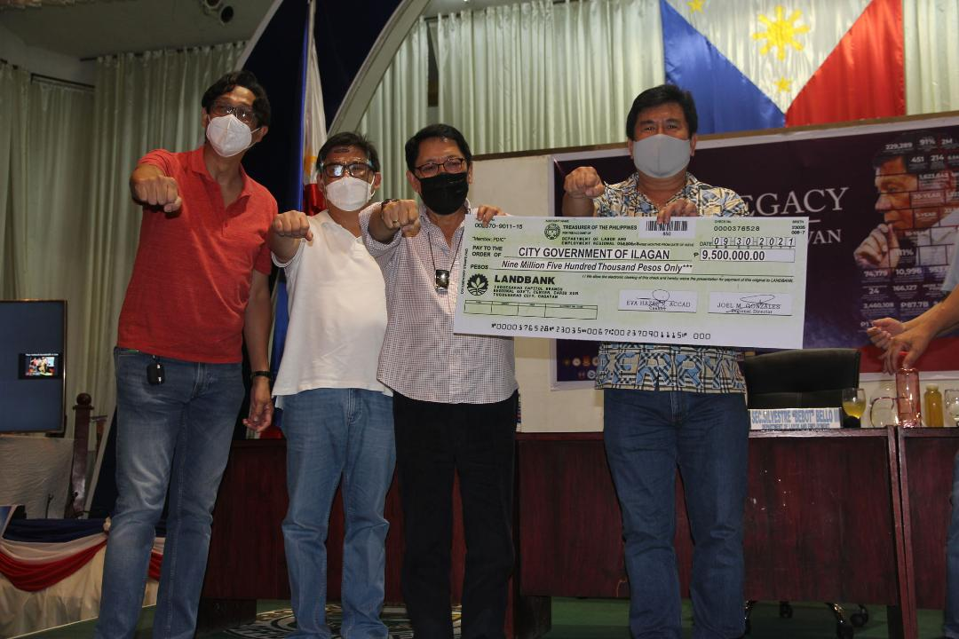 P9.5M TUPAD assistance from DOLE chief Bello goes to Ilagan, Isabela