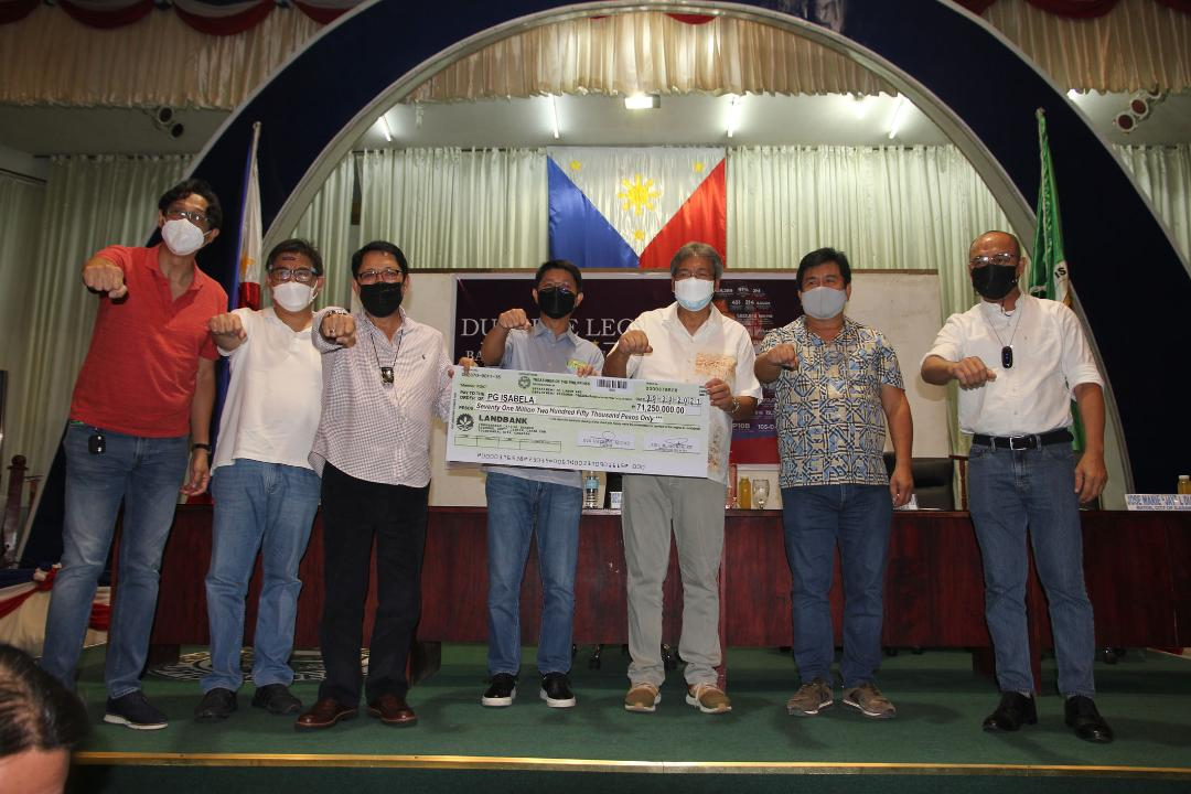 Bello releases P71-M TUPAD assistance to Isabela province
