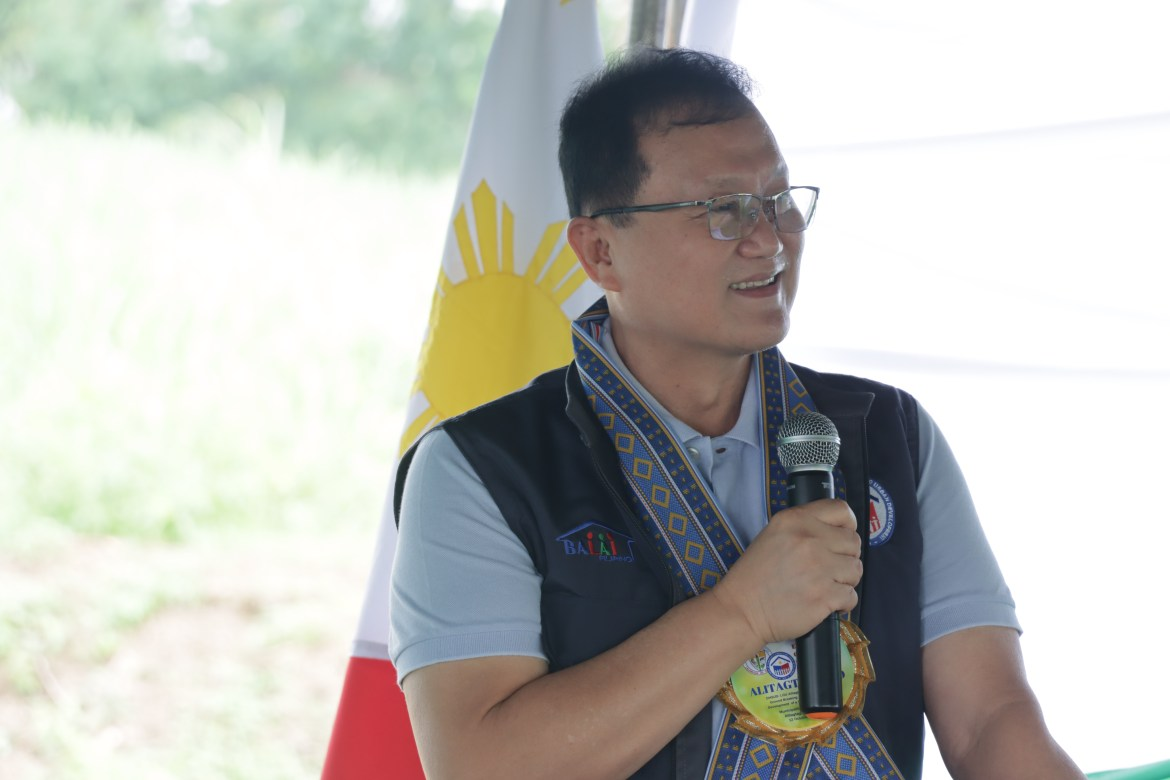 Batangas officials laud DHSUD for all-out support to settlement projects