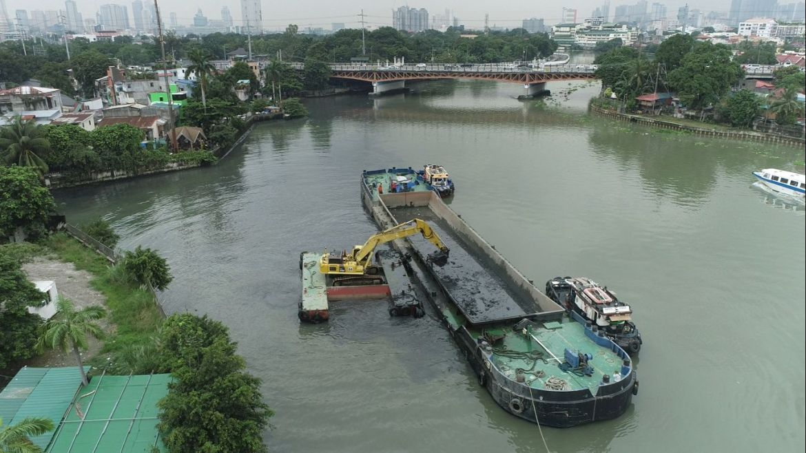 With or without PAREX: SMC makes progress on Pasig River cleanup, 54K MT tons of silt, solid waste removed in just 3 months