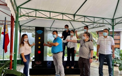 E-community project gives free Wi-Fi to NegOr village
