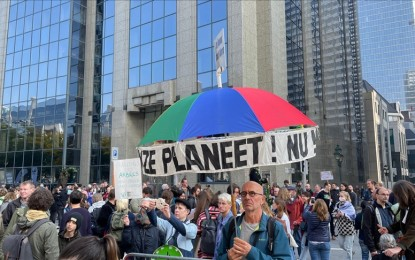 Thousands march in Brussels to raise climate change awareness